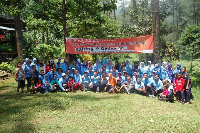 Outbound Pacet, Outbound Team Building dan Rafting Guru SMP Nasrudin Dampit